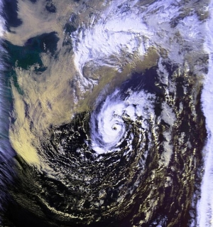 564pxunnamed_hurricane_01_nov_1991_1906z