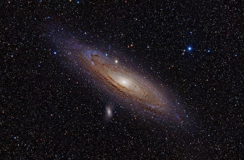 Andromeda_galaxy_with_halpha
